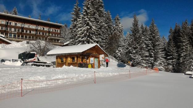 accueil du ski de fond avec de la neige