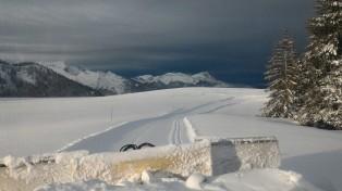 Le front de neige arrive. Vue de la piste noire de Vargne.