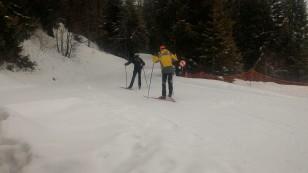 Les Pisteurs se préparent à partir sur le domaine de ski de fond.