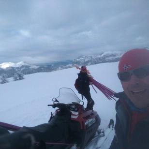Pisteurs au jalonnage sur le domaine de ski de fond de Beauregard.